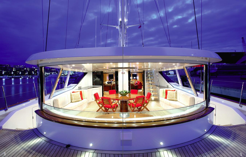 Super yacht Magazine - Issue 1